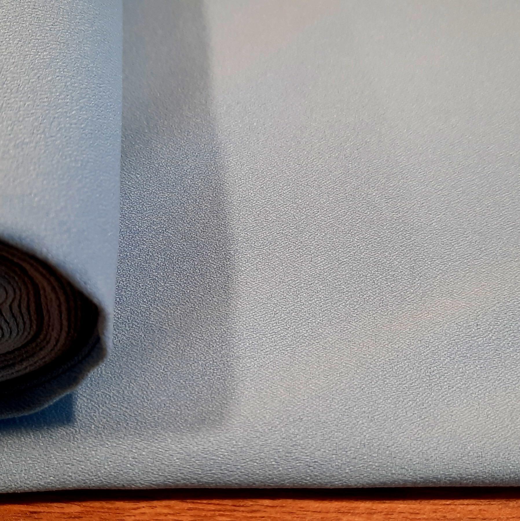 Polyester bleu clair 1