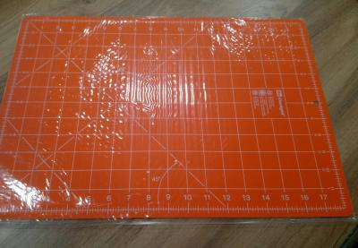Tapis de decoupe orange 1